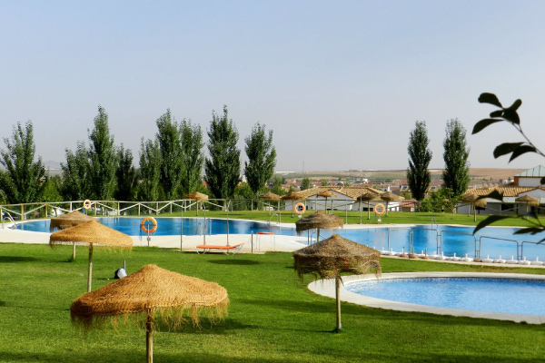PISCINA-SOMBRILLAS-OPTIMIZADA