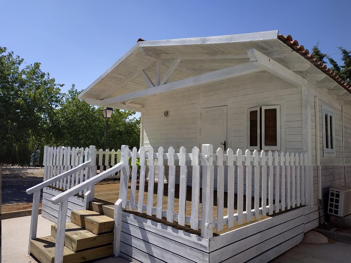 cabaña madera camping sierrecilla